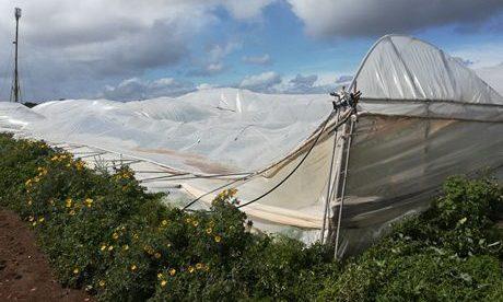 Serele din Sicilia au fost distruse de tornade